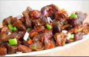 Video: Dodo gizzard -Gizdodo Recipe (Nigerian Stewed Gizzard & Plantain)